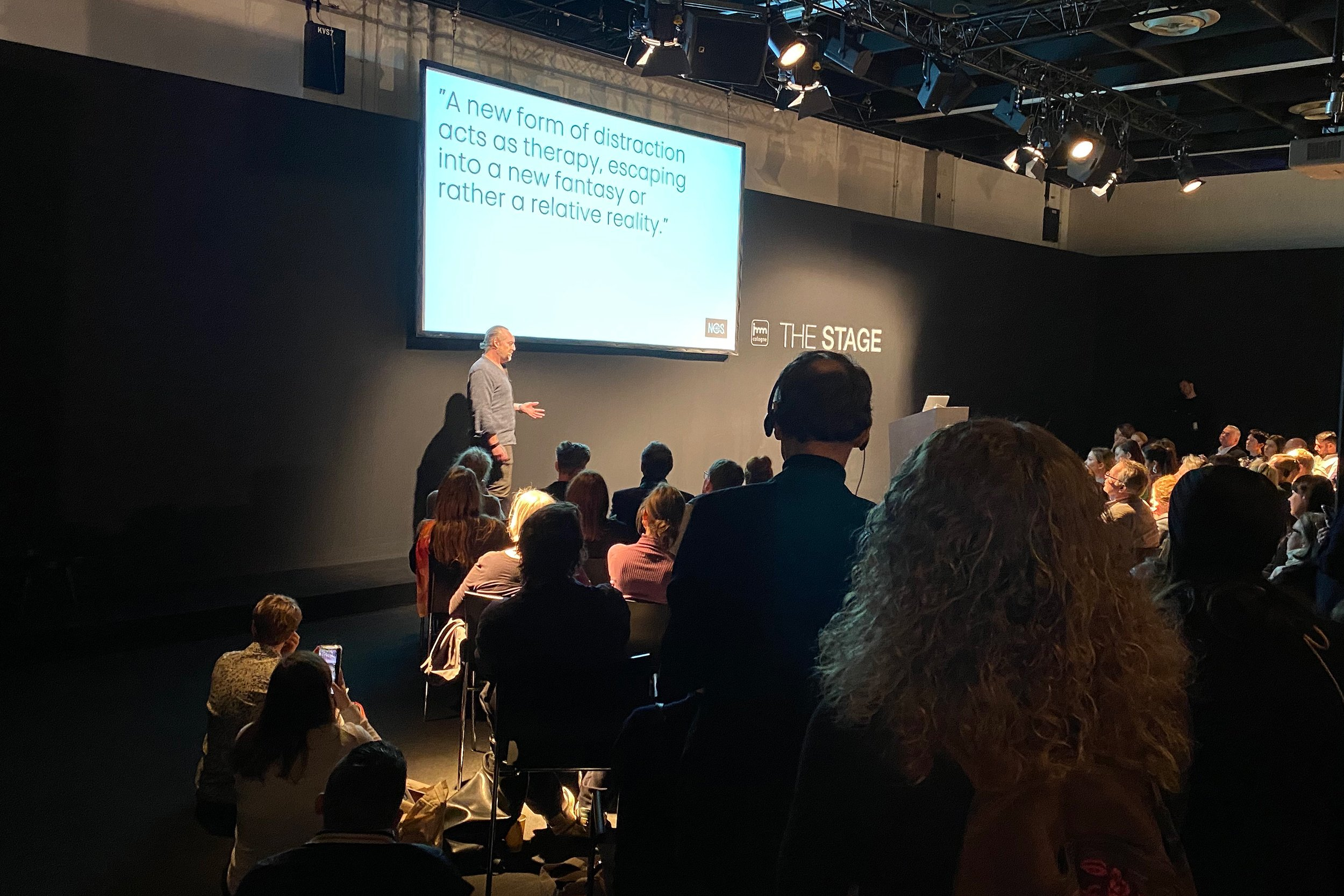 https://farconsulting.de/wp-content/uploads/2020/03/05_The-Stage-2020.jpg
