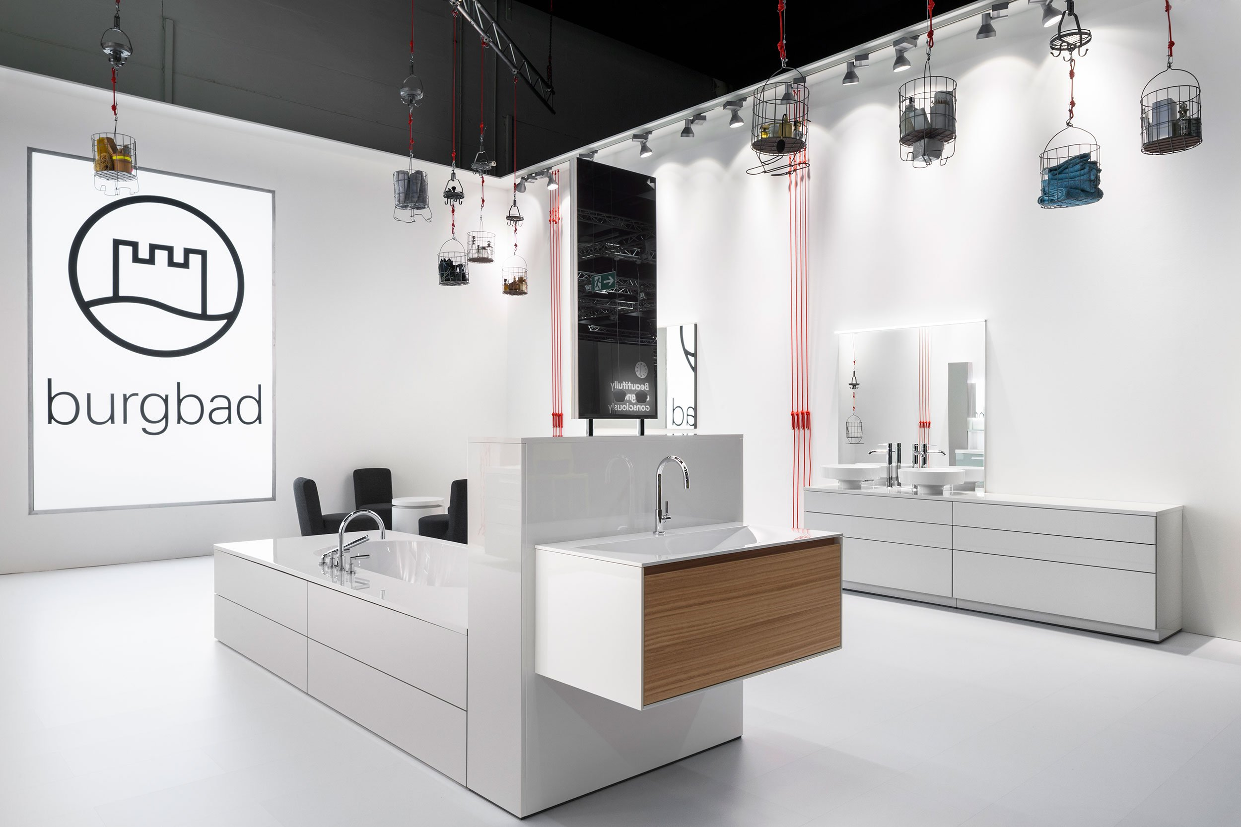 https://farconsulting.de/wp-content/uploads/2020/09/01_Pull_Messestand_burgbad_imm_cologne_2014_FAR.jpg