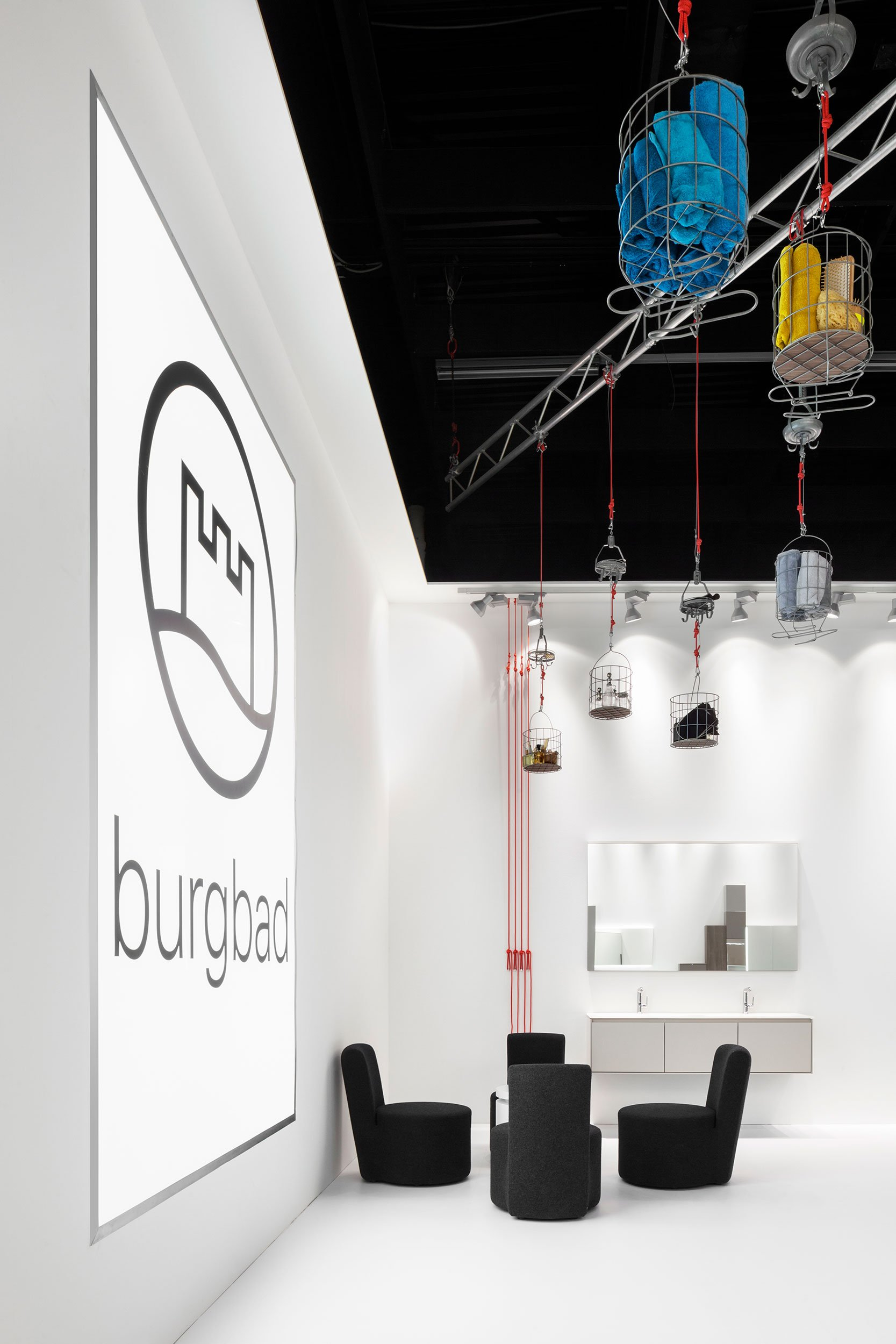 https://farconsulting.de/wp-content/uploads/2020/09/04_Pull_Messestand_burgbad_imm_cologne_2014_FAR.jpg